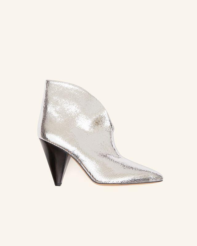 ADIEL 靴子